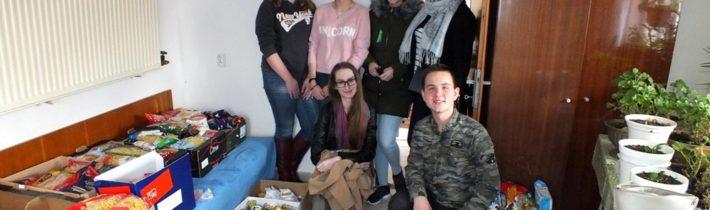 """Veľký pôst 2018 – Bratstvo pravoslávnej mládeže v Humennom v spolupráci s PCO v Humennom zorganizovali počas veľkého pôstu potravinovú zbierku pod názvom """"Podaj pomocnú ruku"""""""