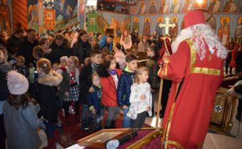 Mikulášsky duchovný program a stretnutie humenských detí s Mikulášom v humenskom pravoslávnom chráme 2019