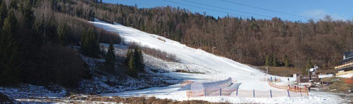 Dňa 3. 2. 2020 v čase polročných prázdnin sa uskutočnila korčuľovačka a sánkovačka v Hnilčíku
